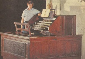 Thad Reynolds at the Coliseum Organ 1974